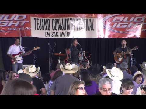 Conjunto Califas 2011 Tejano Conjunto Festival Debut.wmv