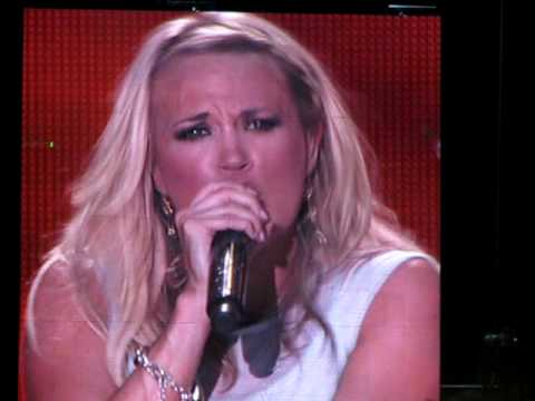 Carrie Underwood & Jason Aldean - Paradise City - CMA Fest 2010