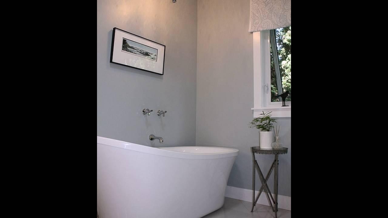 Master Badezimmer Mit Imposantem Badewanne In Weiß