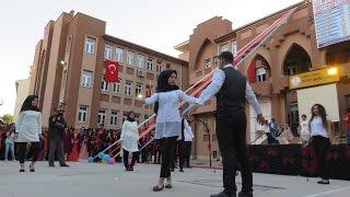 Midyat Anadolu Lisesi Öğrencilerden Muhteşem Oyun (Harmandali Zeybeği)