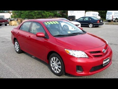 2012 Toyota Corolla LE Walkaround, Start up, Tour and Overview