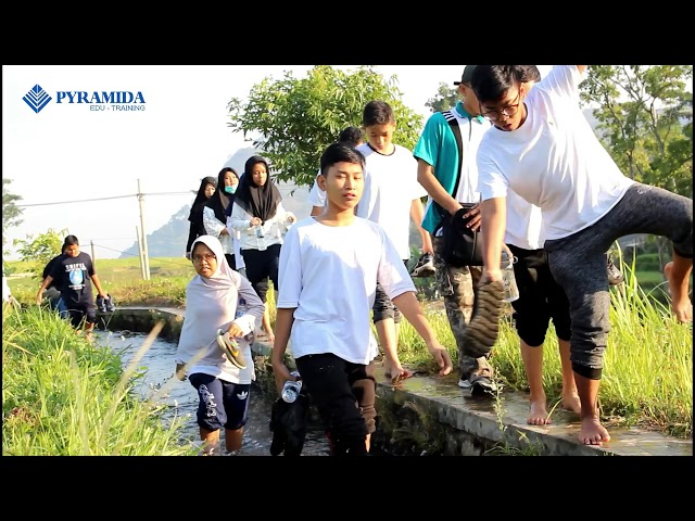 ASC 2018 SMP Al Azhar Kelapa Gading Surabaya Bersama Pyramida Edu-Training