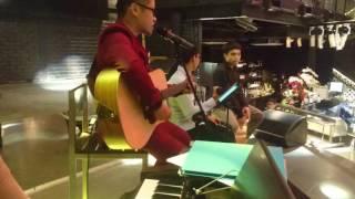 (Lê Thành Trung) Cơn mơ băng giá (Cover) - Quốc Khánh - Live Acoustic