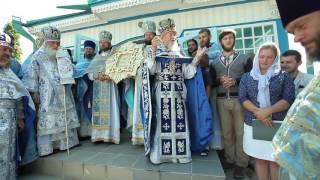 'Многая лета' поют архиерейскому хору Киевского Свято-Введенского монастыря