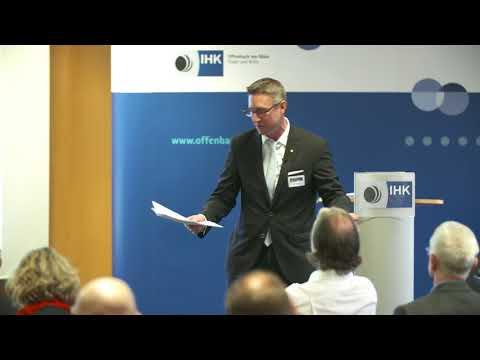 Entwicklung und Einfluss der Digitalisierung auf die Versicherungs- und Finanzbranche