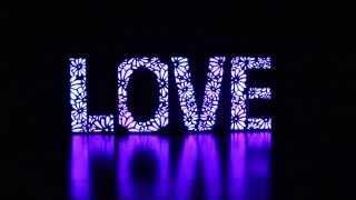 Буквы LOVE светящиеся