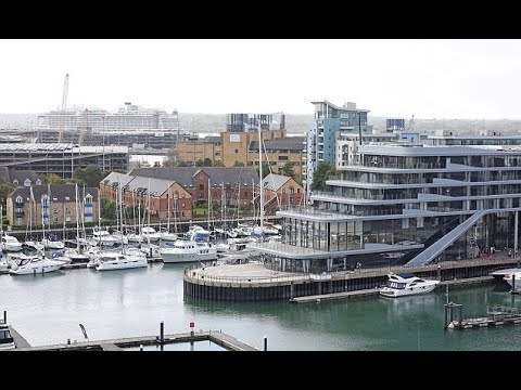 New Southampton hotel looks exactly like a superyacht  - Travel Guide vs Booking