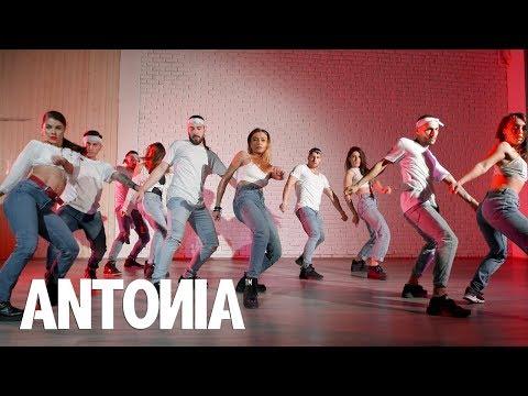 ANTONIA |