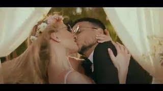 אסי עזר ובר רפאלי מתנשקים בלהט ומתחתנים