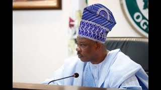 WATCH Amosun Surrenders Weapons Acquired During 2019 Elections