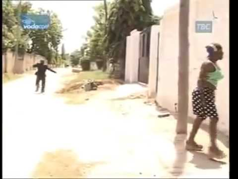 African Woman Gone Crazy [HILARIOUS!!] thumbnail