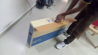 Unboxing Samsung 32K4000 HD LED TV
