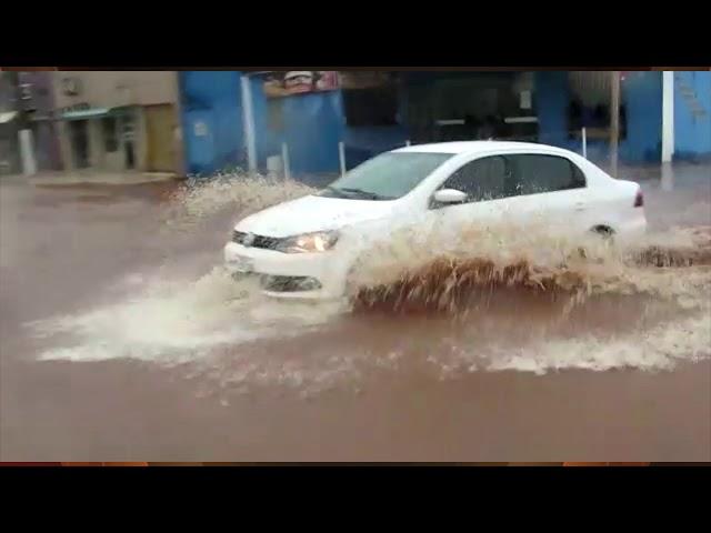 Chuvas intensas alagam casas e ruas de Nova Alvorada do Sul