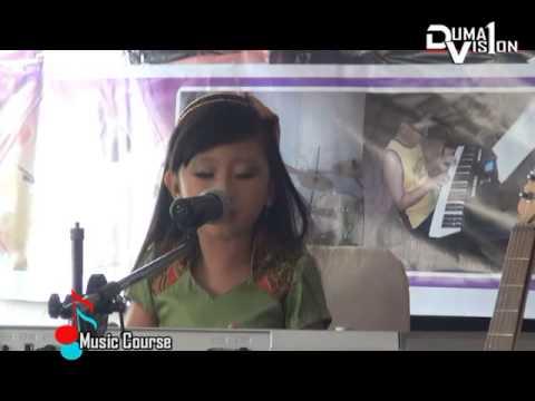 Jennifer Laura Play Piano Bunda in Dumai