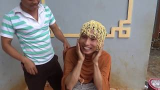 Coi Cấm Cười - Đi Cắt Kiểu Tóc Mỳ Tôm  - NQN TV - P8