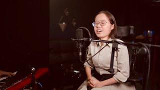 I Am Not Alone (Kari Jobe) - Rachael Bae