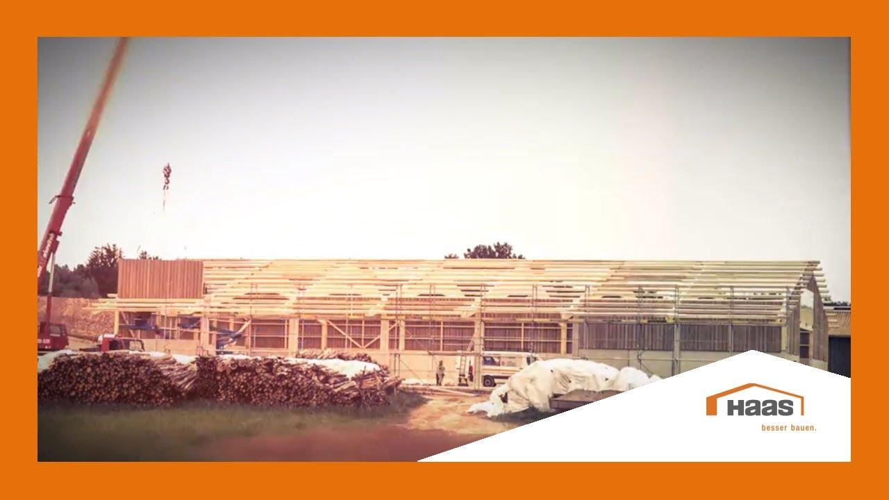 Haas fertigbau hallen  Zeitraffer Aufbau Mehrzweckhalle von Haas Fertigbau - YouTube
