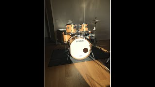 Yamaha Stage Custom all birch with new Remo Emperor, Coated.