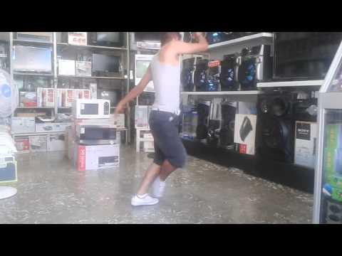 Baile musica COMPUTADORA -lento violento