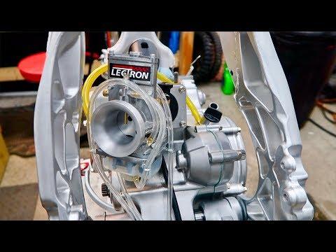 CR125 BUILD PT.11 | Lectron Carb + New Parts
