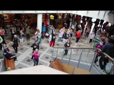 Mosjørussen 2012 Flashmob - [Avicii - Levels] v/ Sjøsiden, Mosjøen