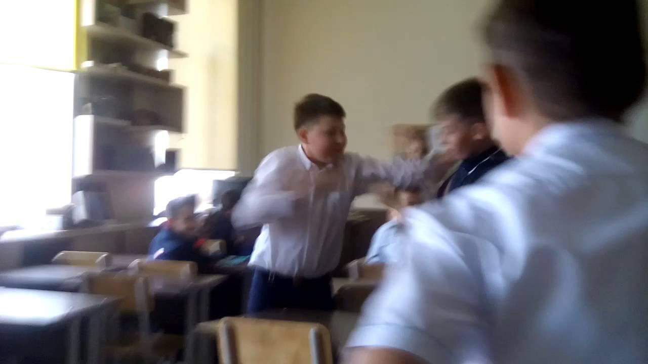 У РФ школярі систематично знущаються над хлопчиком за те, що той з Франківщини (відео)