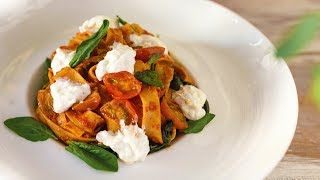 Изысканная паста с итальянским сыром [Рецепты Bon Appetit]