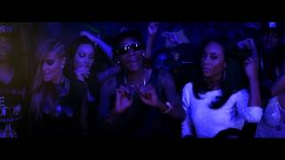 Смотреть клип Mally Mall - Drop Bands On It Featuring Wiz Khalifa, Tyga & Fresh