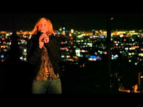 Sally Kellerman sings at FORC fundraiser