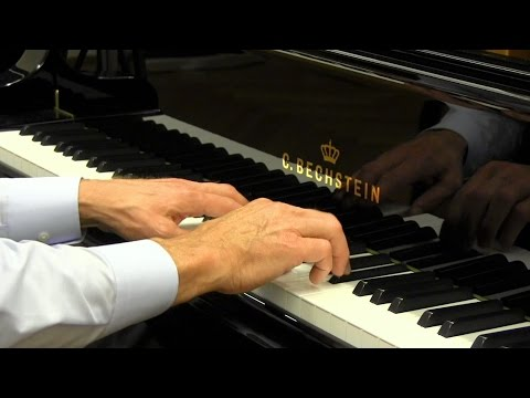 Piano Masterclass | Two types of trills
