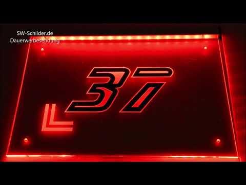 led-hausnummer-typ-7-beleuchtet-und-kontur-gravur-im-sw-modern-design-sw-schilder