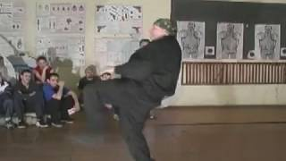 Медведев А Н хулиганский стиль (УНИБОС в уличной драке)