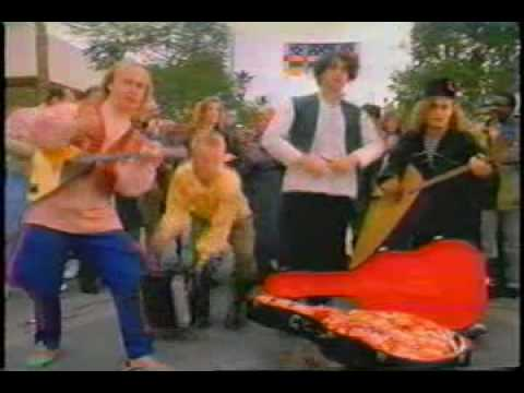 News & Kit-Kat Commercial with Pre-Red Elvises Limpopo