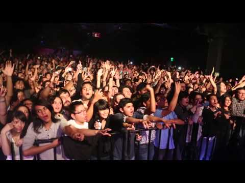 Peter Hook & The Light - Love Will Tear Us Apart - Filmed live on stage in Mexico City - 30/9/13.