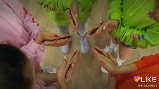 Open Kids стикером шоу пальцев