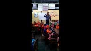 Bersama Anak PAUD TK PGRI Nyanyikan Lagu Bapak Polisi
