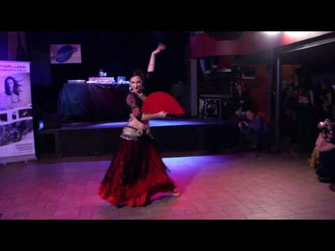 ATS® with flamenco fan Katarzyna Lidia