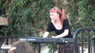 Grimes - Oblivion @ Make Music Pasadena (2012/06/16 Pasadena, CA)