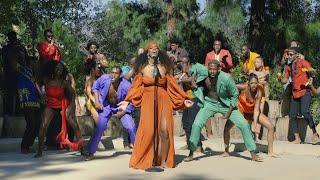 Kelly Rowland Performs 'Hitman'