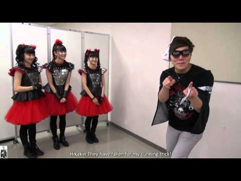 Hikakin report and interview with BABYMETAL at Makuhari Mess