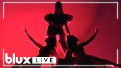 Ariana Grande - God Is a Woman & break up with your girlfriend, i'm bored (Sweetener Tour Live)