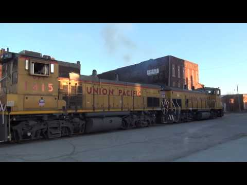 UP YFX54 Switching on State Line Street KCK/KCMO W Pair of MP15s