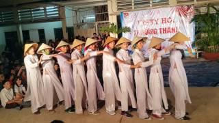 Nam sinh 12A1 THPT GÒ VẤP múa áo dài 2015 2016
