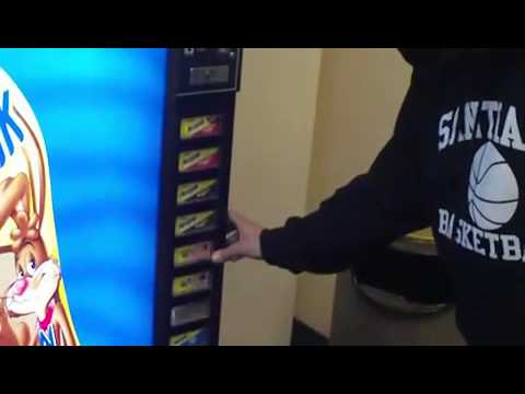 How to Hack a Vending Machine: 9 Tricks to Getting Free Drinks