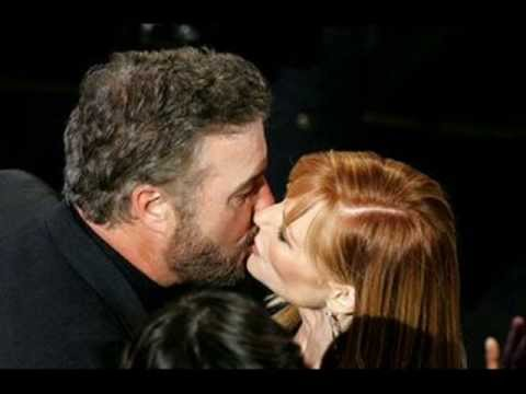 WILLIAM PETERSEN E MARG HELGENBERGER csi
