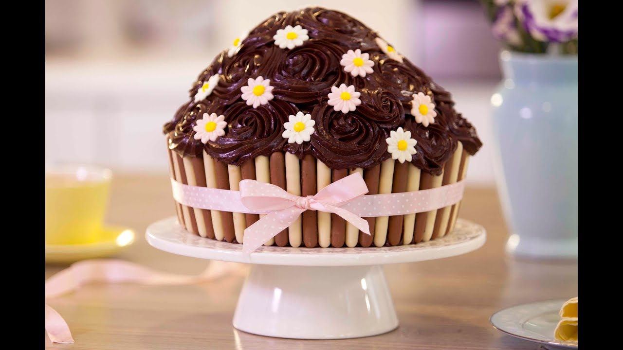 Big Cupcake Images : Giant Chocolate Cupcake - Betty Crocker? - YouTube