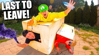 Last To Leave Worlds Smallest Box Fort Wins PS5