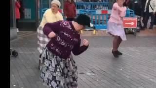 tanczace babcie