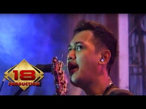 (Live) Bondan & Fade 2 Black - Tetap Semangat  @Konser Denpasar bali 21 September 2013