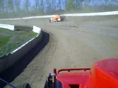 Cayuga Hotlaps April 18th 2010.wmv